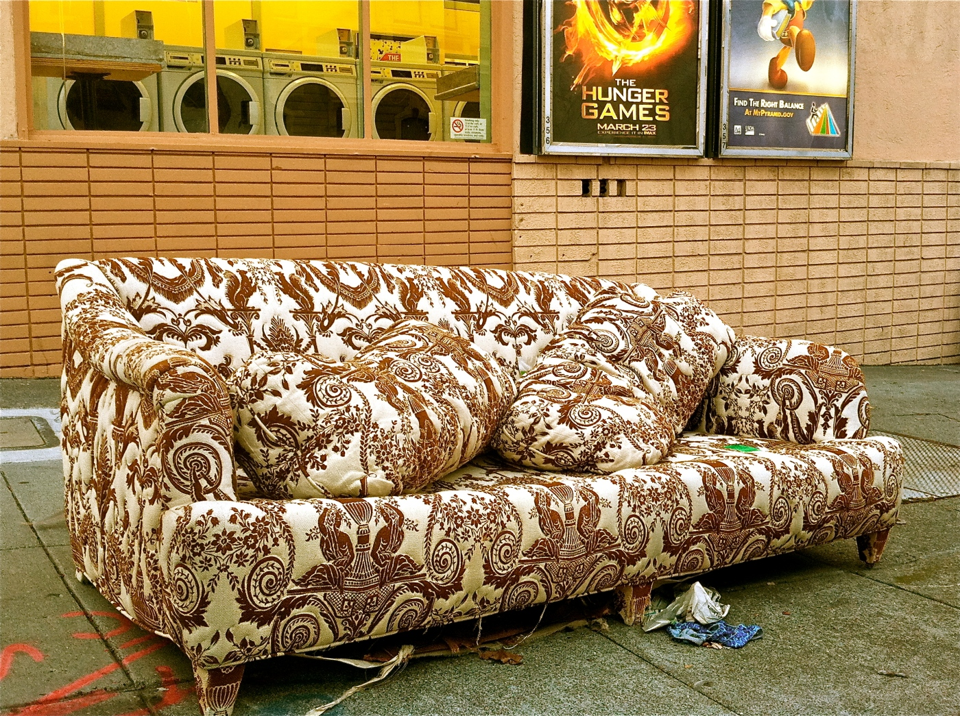 abandoned-couch-1