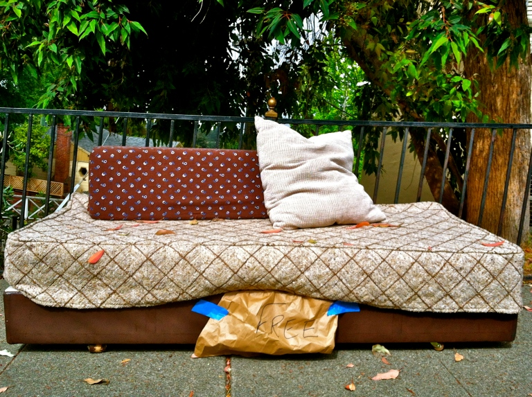 abandoned-couch-oakland